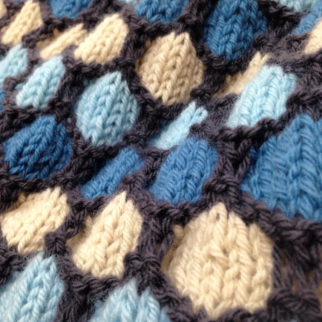 honeycomb blanket in blues